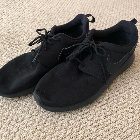 Nike Shoes | Black Nike Roshes | Poshmark